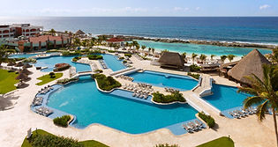 HRH_Riviera_Maya_Hacienda_Pool_&_Family_
