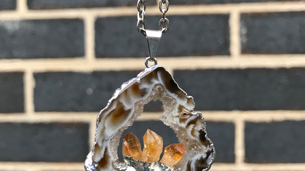 3 Point Citrine Crystal & Agate Necklance