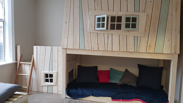 Indoor Play Equipment & Cosy Dens