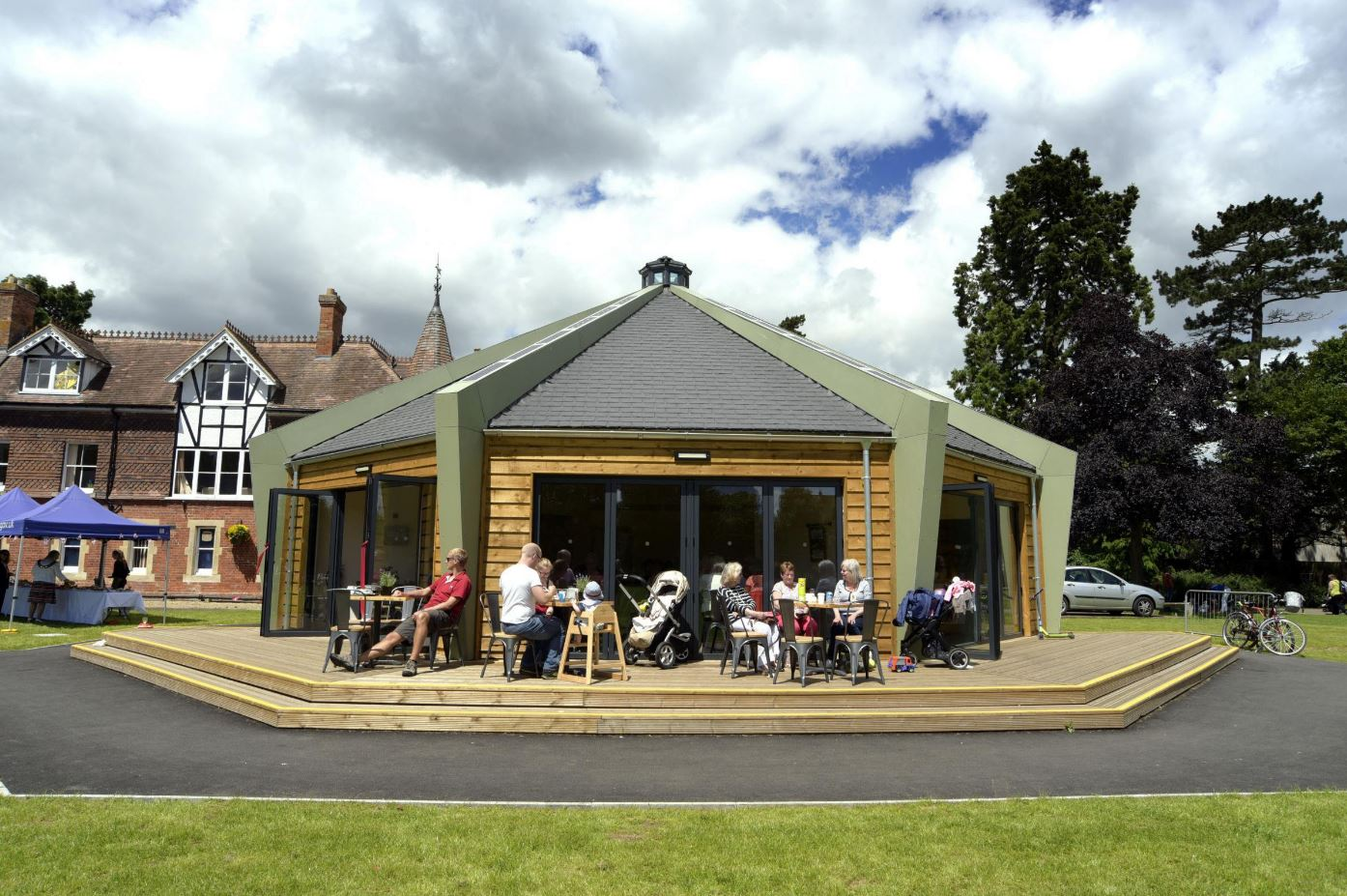 Garth Park Cafe in Bicester