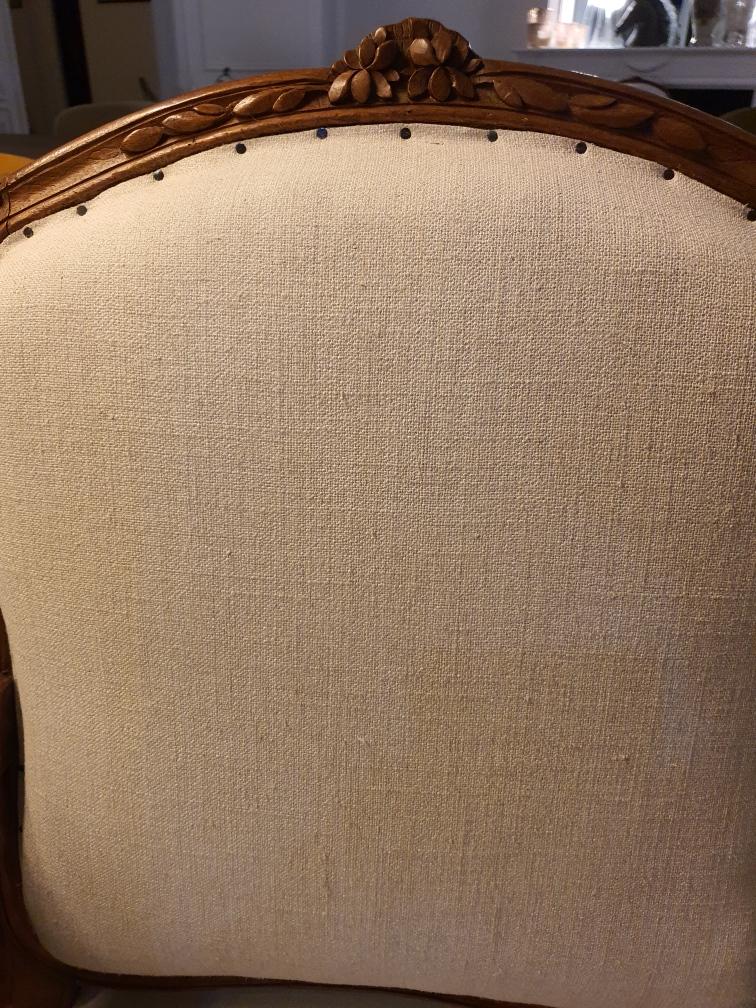 Détail d'une restauration - clous tapissier