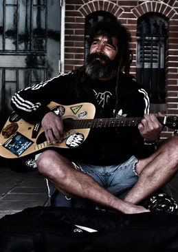 not the streetmusician, but the heartwarming man