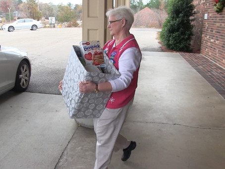 Meridian Little Theater gets into the spirit of giving