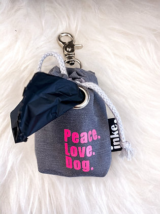 Kotbeutelspender - peace, love, dog