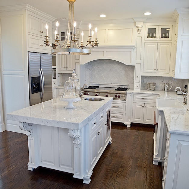 White kitchen with Feet