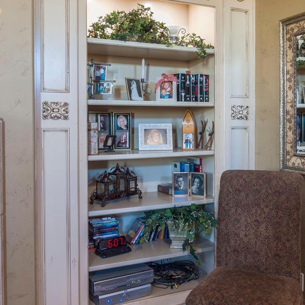Built-oin bookcase
