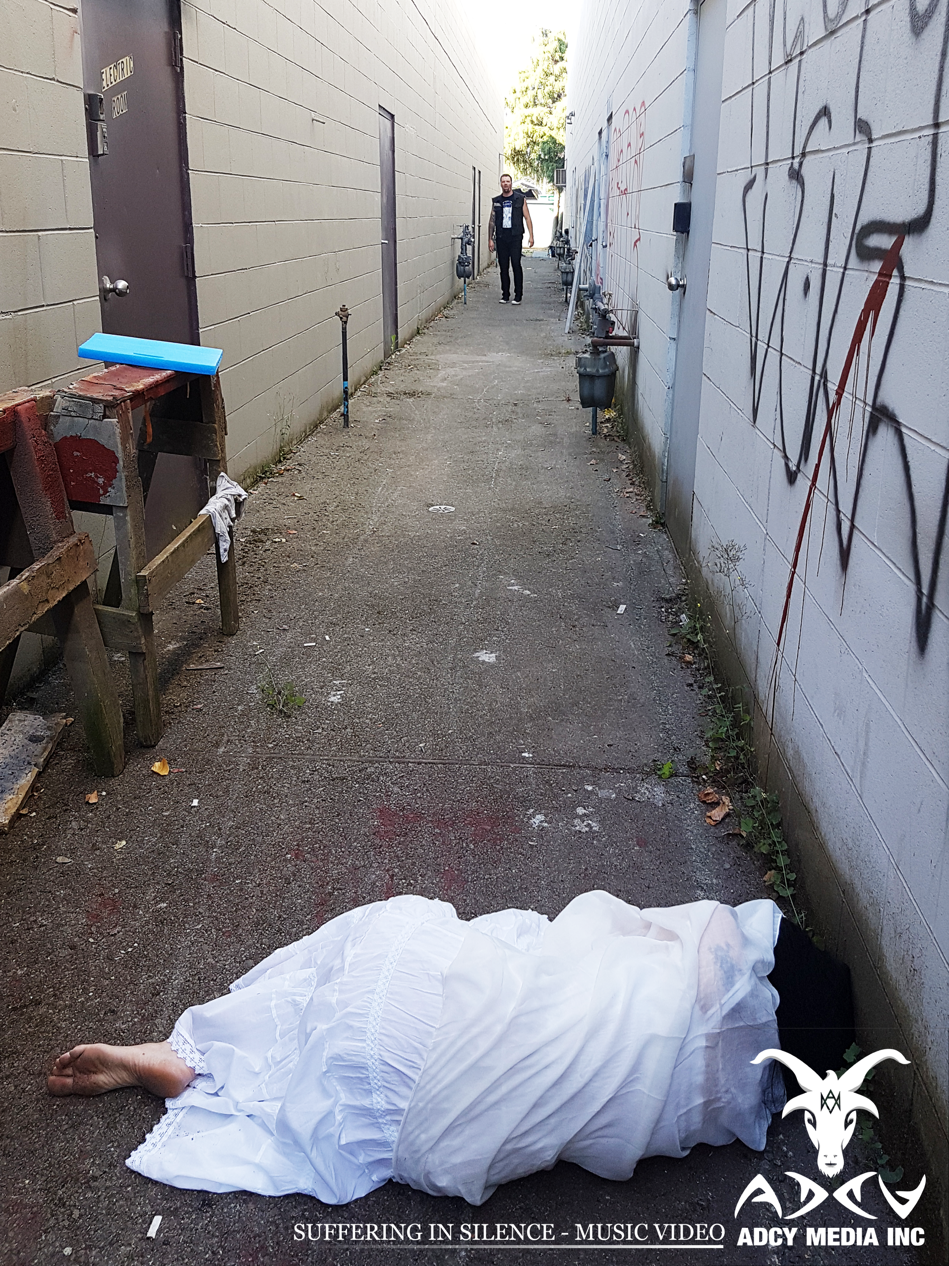 Gross Alley Shoot
