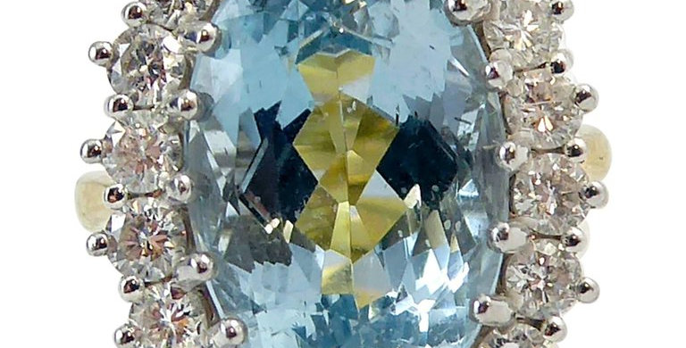 Pre-owned Blue Topaz 8.91 Carat and Diamond Cluster Ring