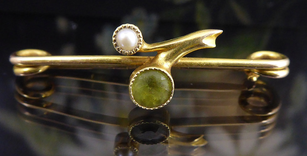 Antique Peridot and Pearl Brooch, 15ct Gold, Hallmarked Chester 1907