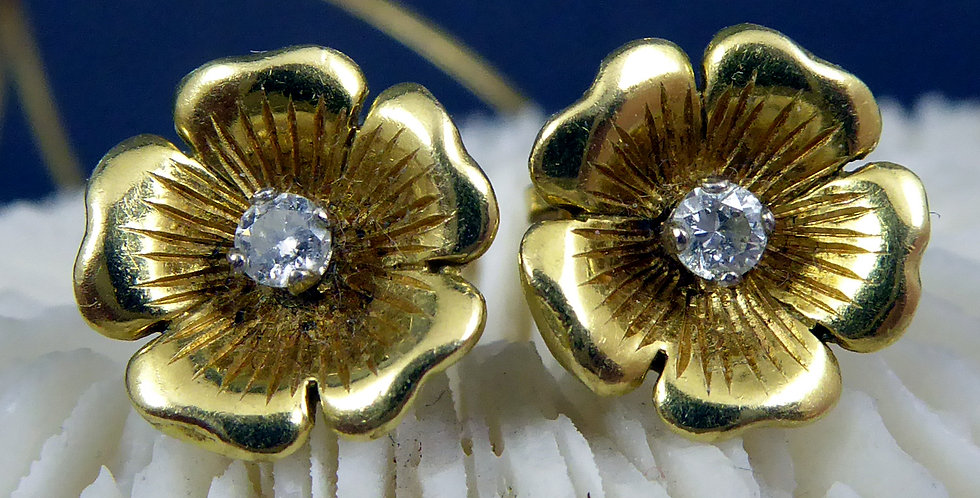 Vintage Diamond Stud Earrings in 18ct Yellow Gold Floral Setting