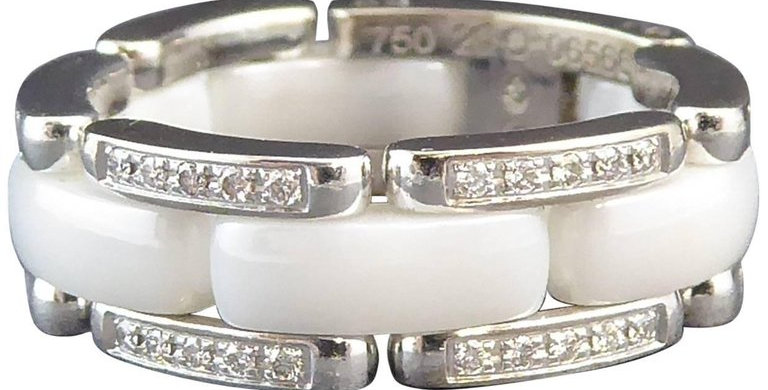Chanel Ultra White Ceramic Diamond Ring, 18 Carat White Gold