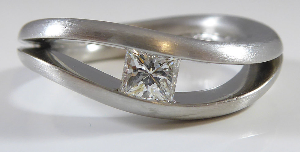 Princess Cut Diamond Wave Ring, Platium Setting