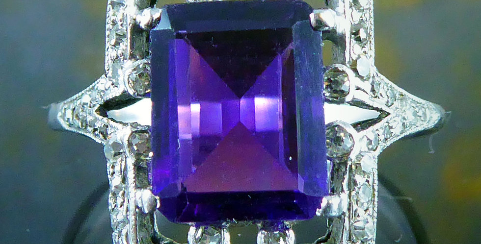 Art Deco 1920's 1.81 Carat Amethyst and Diamond Ring