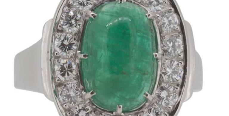 Scandinavian Design Cabochon Cut Emerald and Diamond Cluster Ring