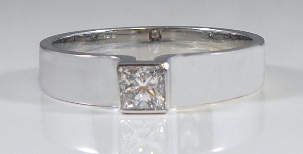 Princess Cut Diamond Engagement Ring, Contemporary Style