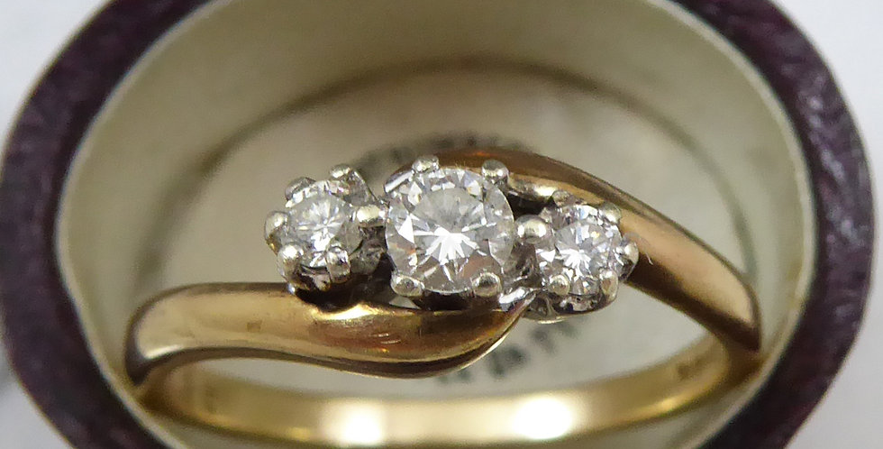 Vintage Diamond Three Stone Ring, 0.25ct, Trilogy Setting, Cross Over  Shoulders