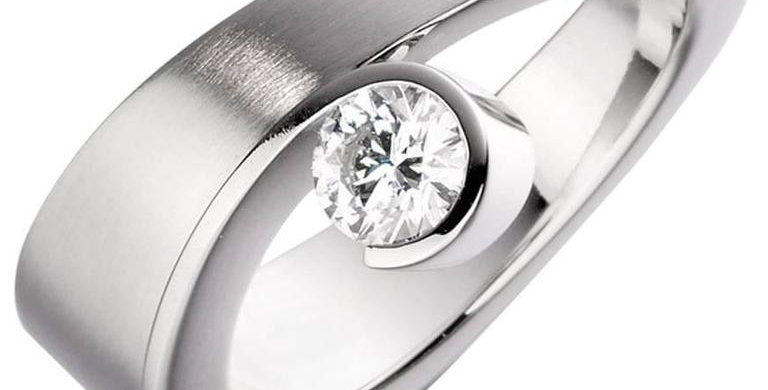 D Flawless Diamond Engagement Ring, Contemporary Design