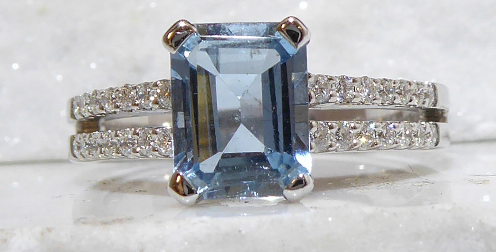 1.14 Carat Emerald Cut Aquamarine and Diamond Ring, White Gold, Vintage