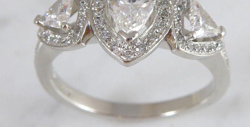 Vintage ring with pear shape diamond