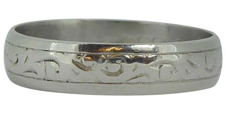 Vintage Platinum Wedding Ring, Acanthus Leaf Engraving, Birmingham, 1975