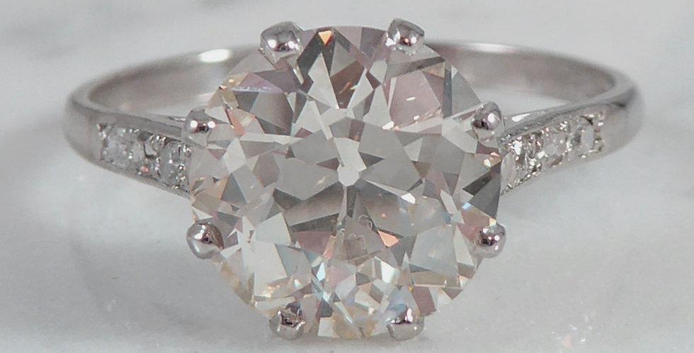 Old European cut diamond ring in platinum