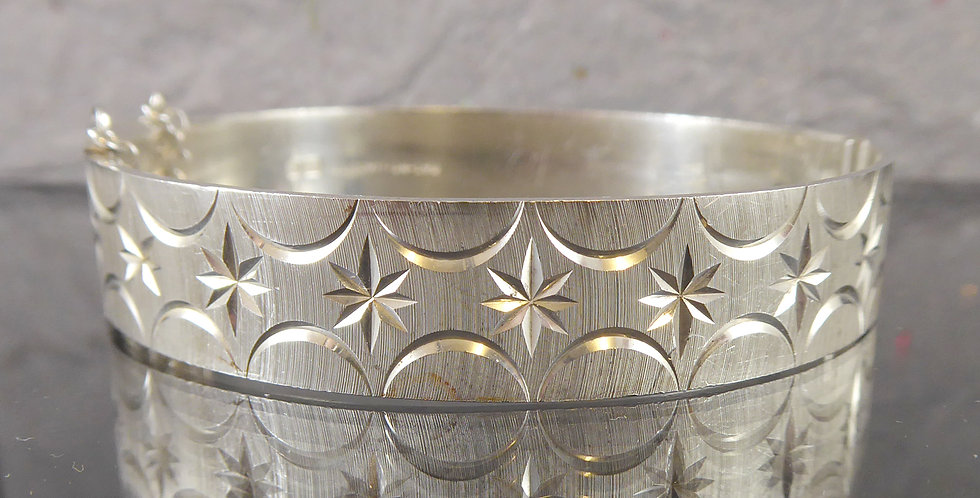 1970's Vintage Silver Bangle with Engraved Pattern All Around