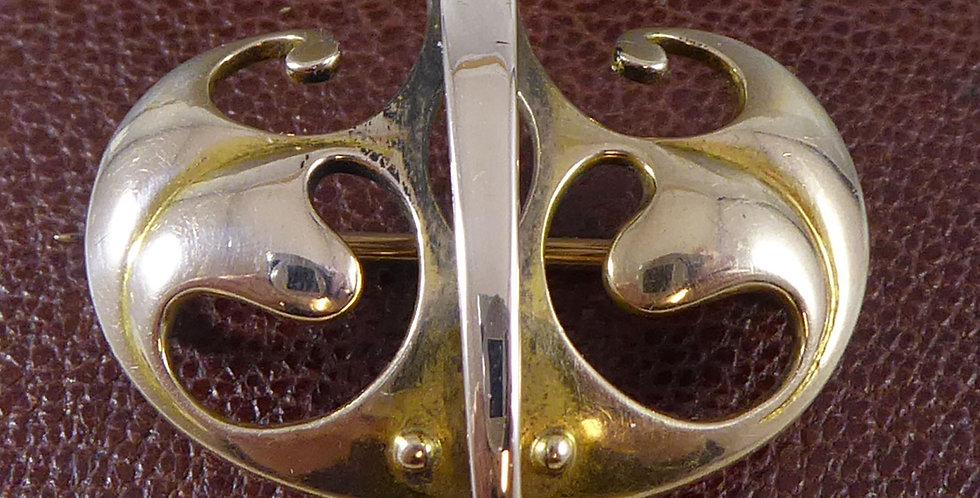 Art Nouveau rose gold brooch, front