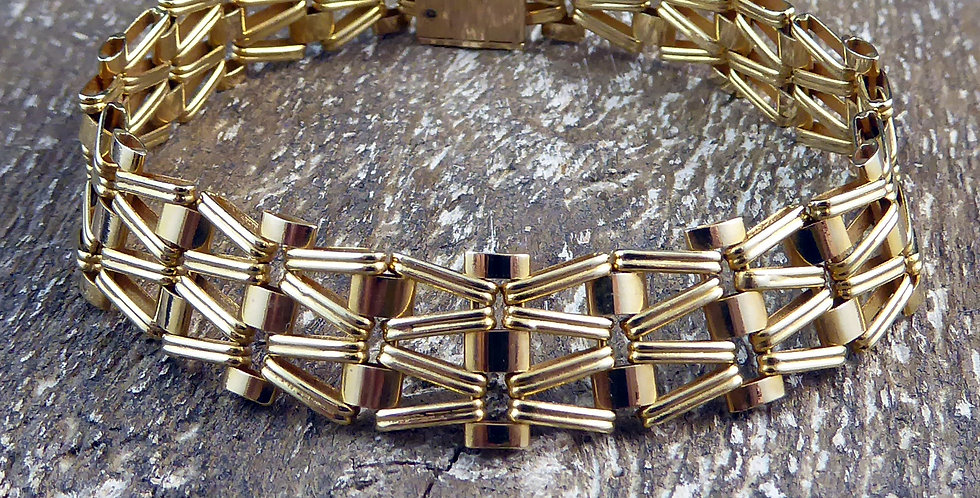 1980's Yellow Gold Gate Bracelet, Bow Shaped Links, London Hallmark