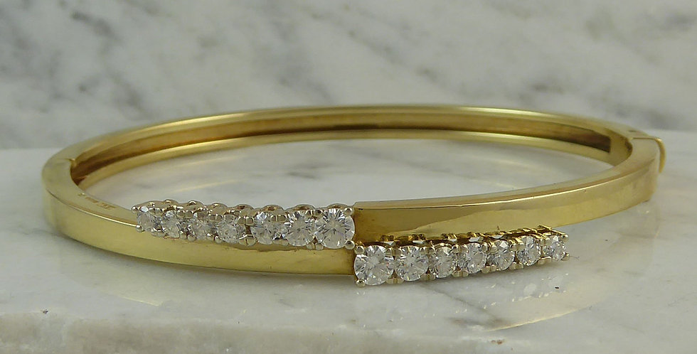 Vintage diamond line bangle in 18ct yellow gold