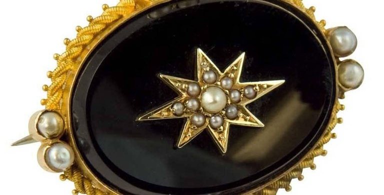 Victorian Onyx and Pearl Mourning Brooch, 15 Carat Gold