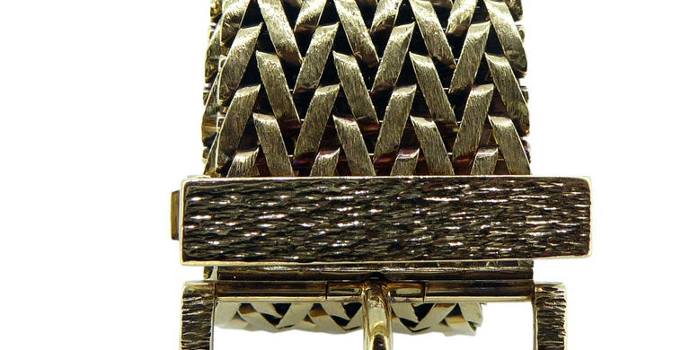 Vintage Gold Belt Bracelet with Mesh Design and Buckle Fastener Hallmarked 1979