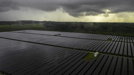 Inspection_centre_photovoltaïque_à_Kouro