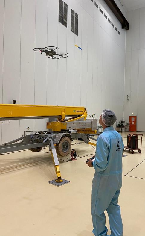 Mise en oeuvre d'un drone en salle blanche