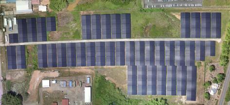 orthophotographie d'une ferme solaire