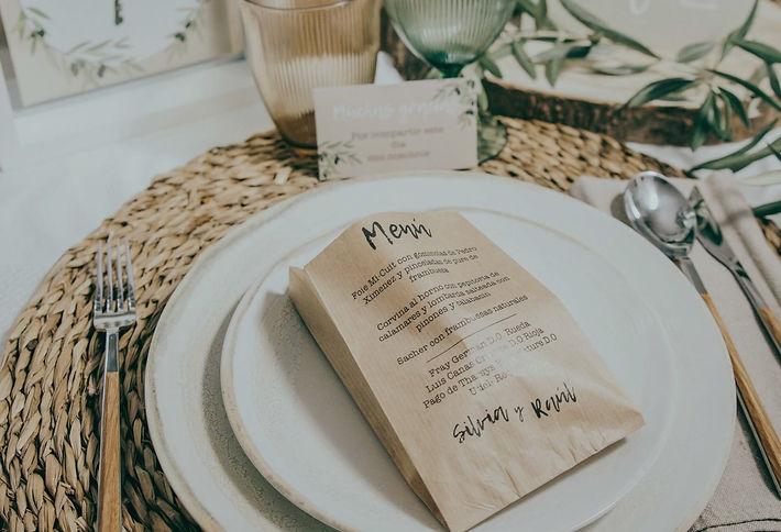 Minutas de boda originales, papeleria de boda, meseros, numero de mesa boda