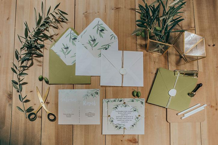 Invitaciones de boda originales con hojas de olivo