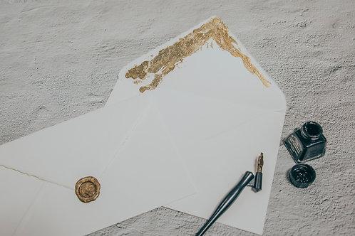 Sobre papel hecho a mano con pan de oro Roma