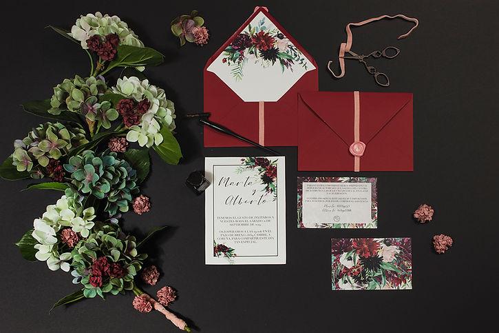 Invitaciones de boda originales burdeos