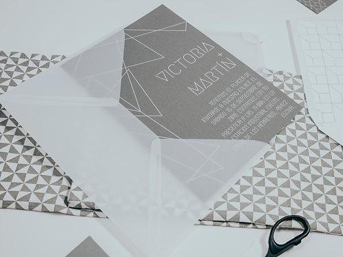 invitaciones de boda tinta blanca, invitaciones de boda geométricas, invitaciones de boda tonos grises, sobre papel vegetal