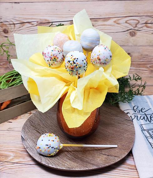 sweethearts-dessserts-cakepop-arrangemen