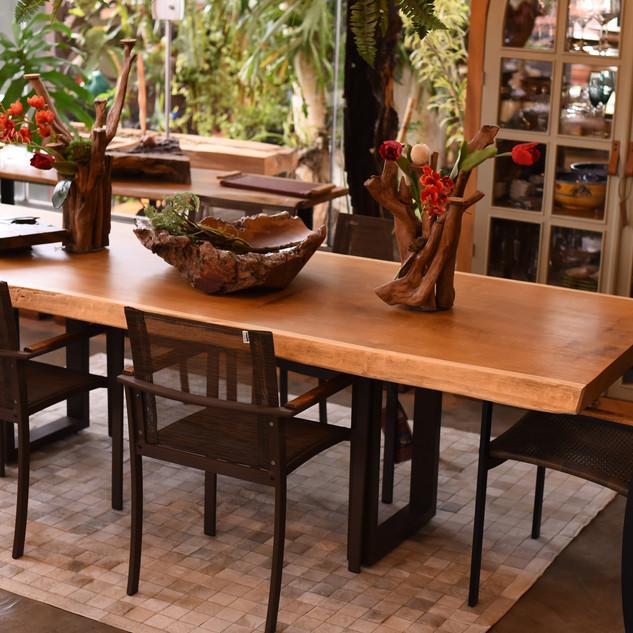 Mesa de Jantar Bromélia