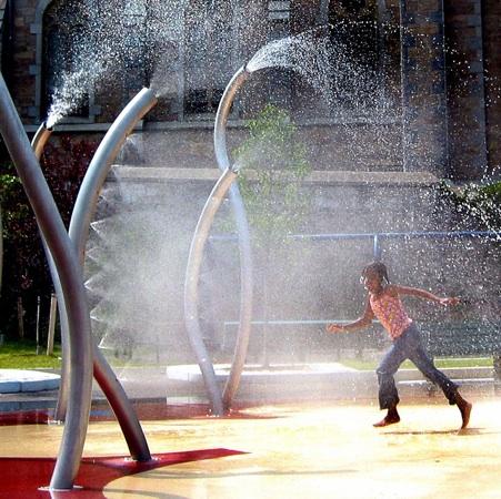 MH fountain w-leap.jpg