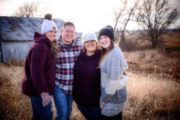 family_fall_photos.jpg
