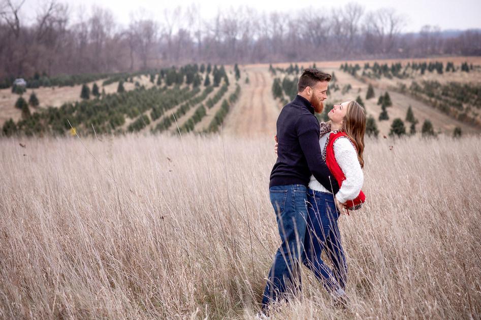 Winter_Couple_Photos.jpg