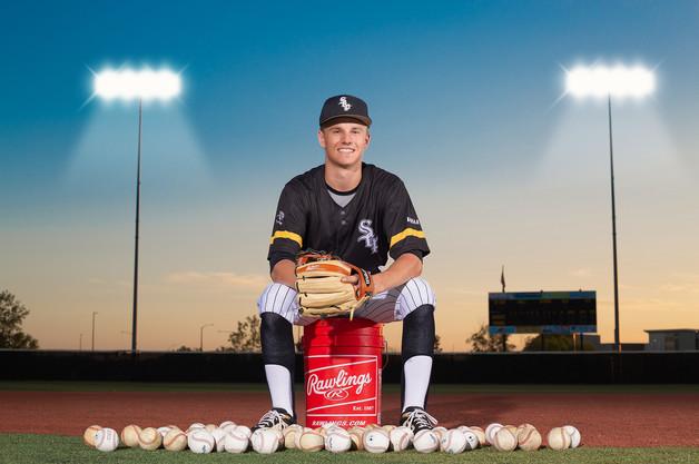 Senior_Baseball_Photos.jpg