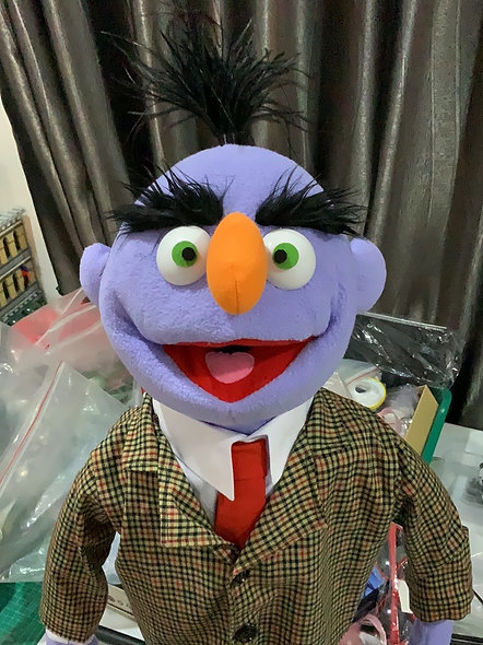 Pubbet 19: Dr Oddie Puppet with Suit & Tie Outfit