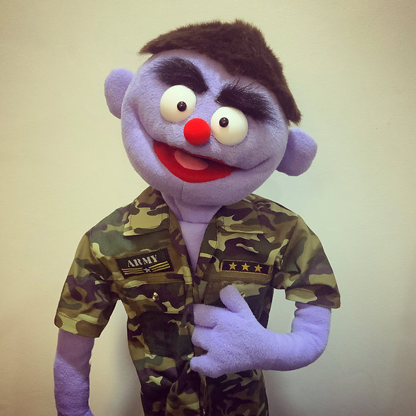 Pubbet 6: Frank Hand Puppet with Full Army Outfit & Cap