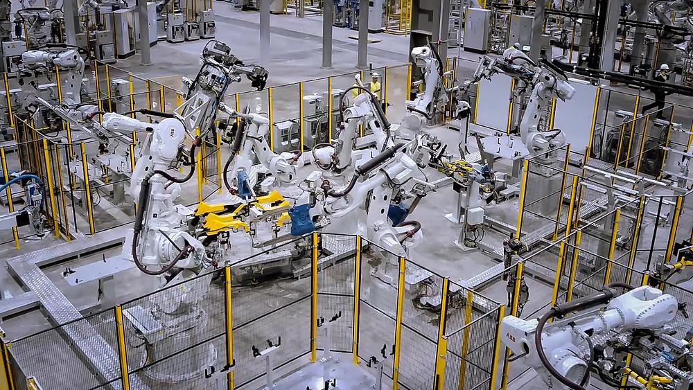 Hệ Thống ROBOT Tự ĐỘng Hóa Của VinFast