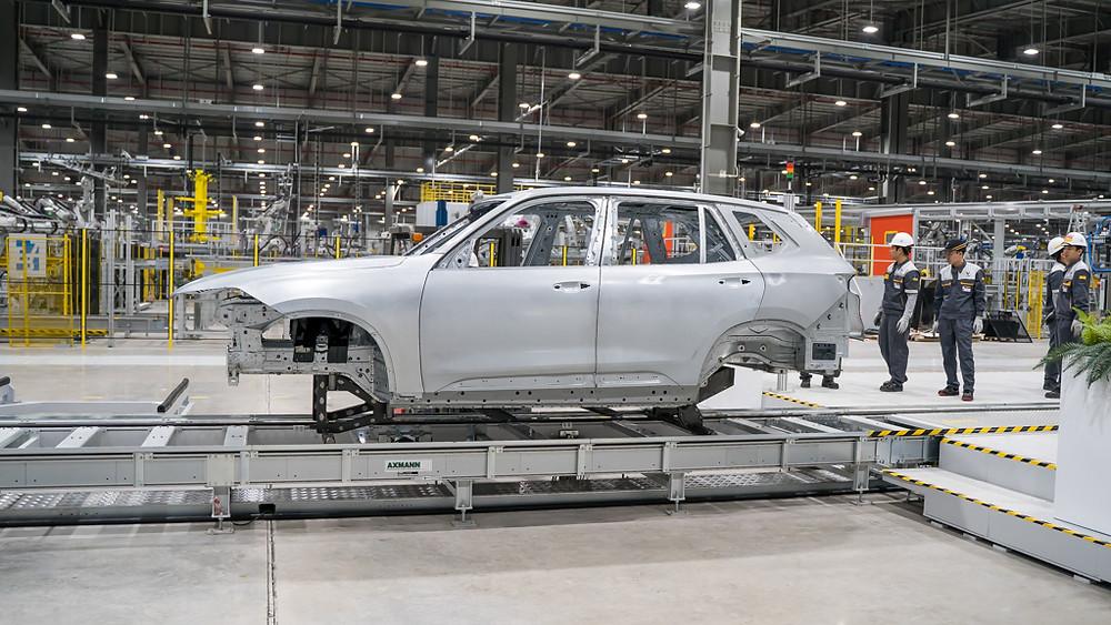 Khung Xe VinFast Lux SA 2.0 đầu tiên đang được xuất xưởng