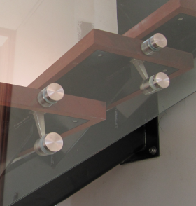 int mono stair & glass fittings2